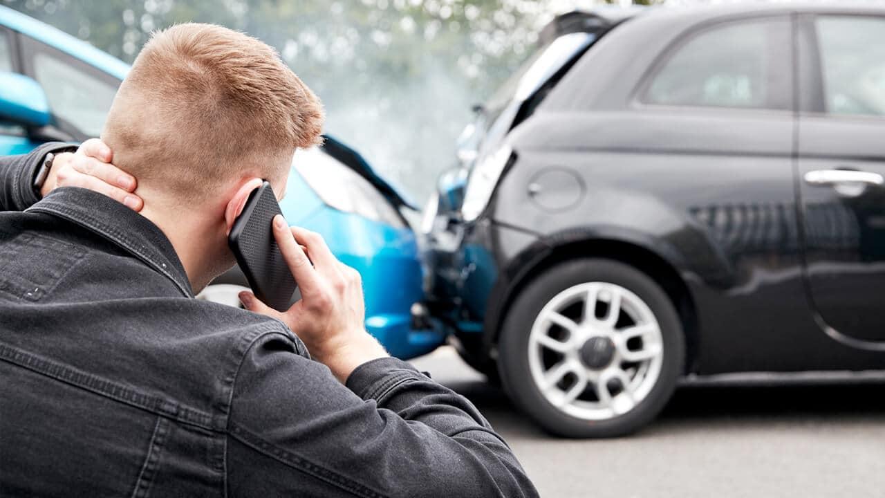 Should You Call 911 After a Car Wreck?