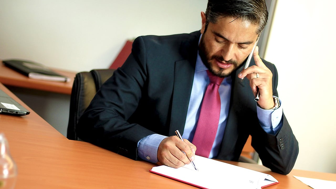 How To Find a Personal Injury Lawyer: 5 Crucial Questions To Ask