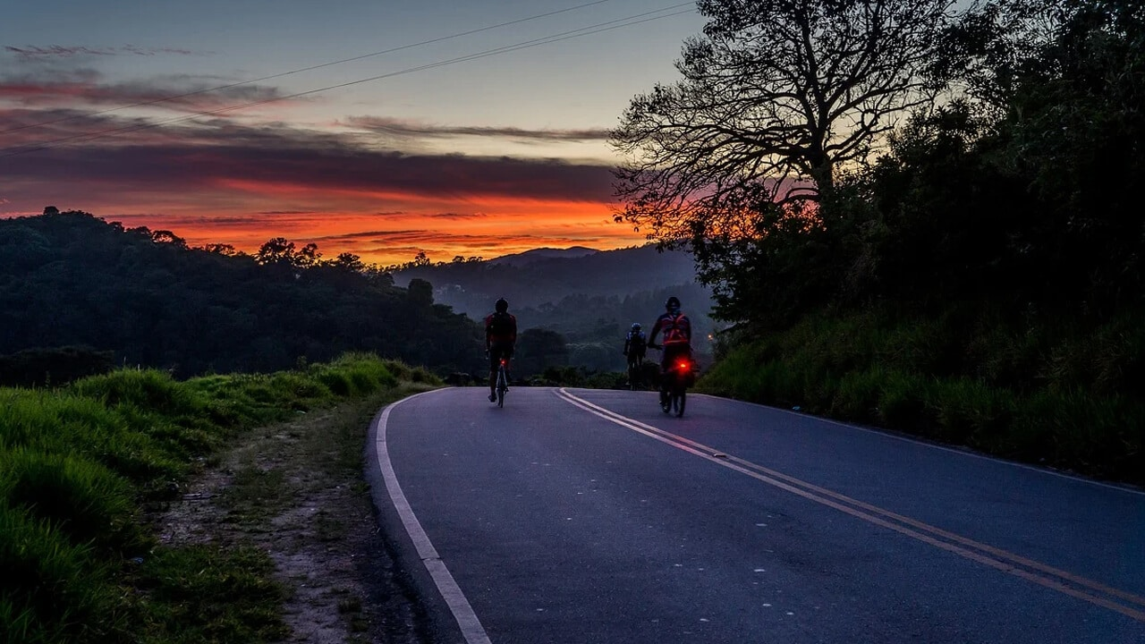 Sharing the Road with Bicyclists – The Dos and Don'ts